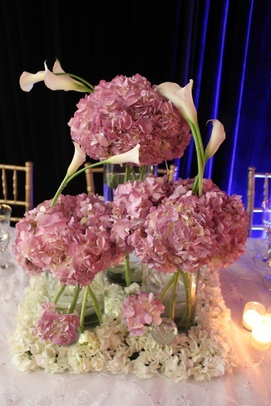 tall-wedding-centerpieces-25 11 Tips on Mixing Antique and Modern Décor Styles