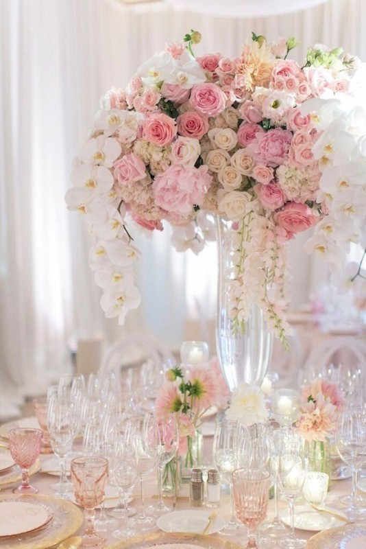 tall-wedding-centerpieces-27 11 Tips on Mixing Antique and Modern Décor Styles