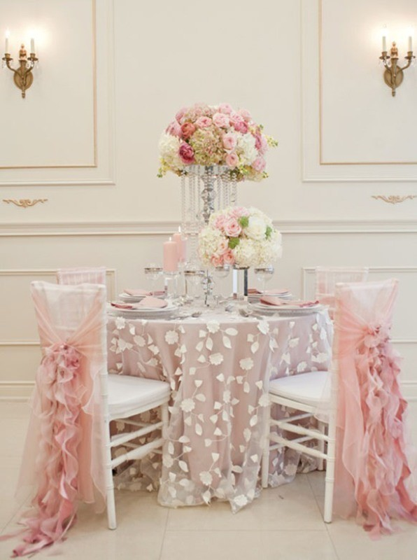 tall-wedding-centerpieces-28 11 Tips on Mixing Antique and Modern Décor Styles