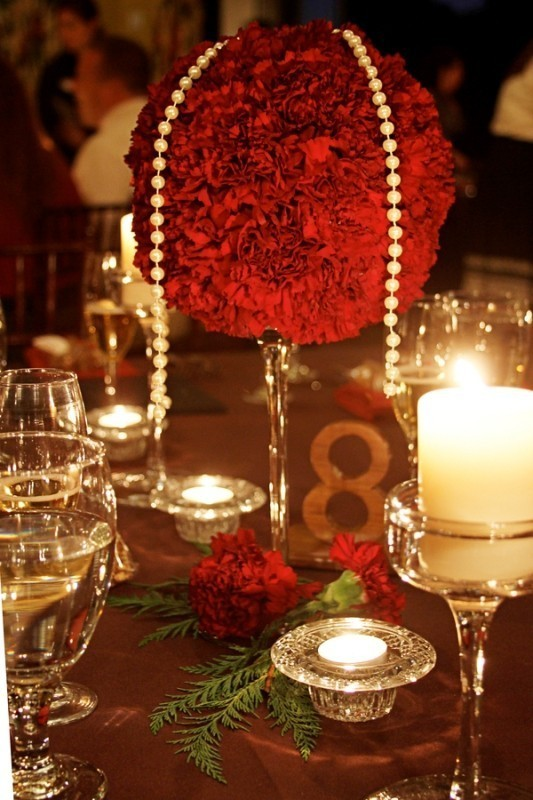 tall-wedding-centerpieces-3 11 Tips on Mixing Antique and Modern Décor Styles