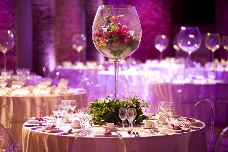 tall-wedding-centerpieces-35 11 Tips on Mixing Antique and Modern Décor Styles
