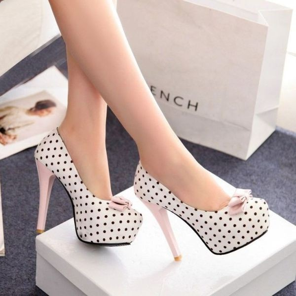 thin-heels-17 11+ Catchiest Spring / Summer Shoe Trends for Women 2020