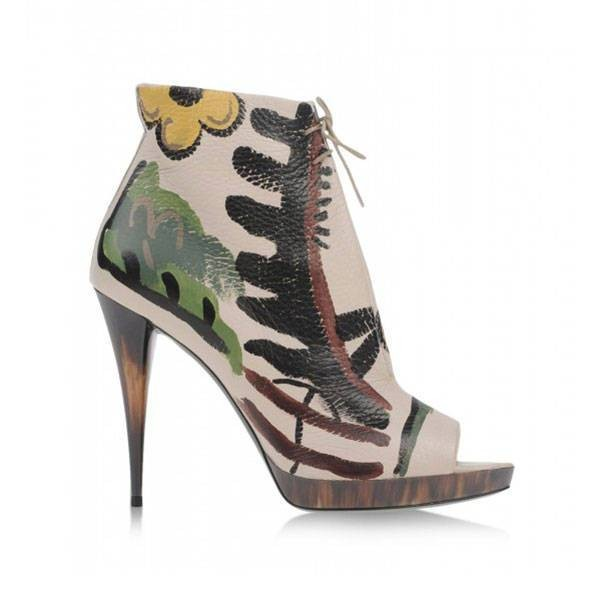 thin-heels-2 11+ Catchiest Spring / Summer Shoe Trends for Women 2020