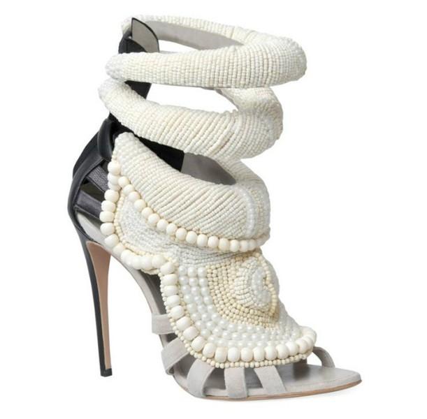 thin-heels-4 11+ Catchiest Spring / Summer Shoe Trends for Women 2020