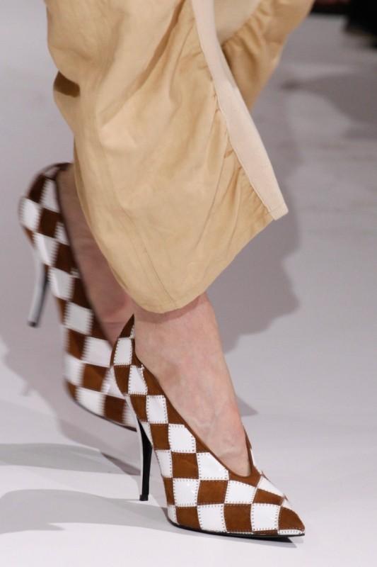 thin-heels-7 11+ Catchiest Spring / Summer Shoe Trends for Women 2020
