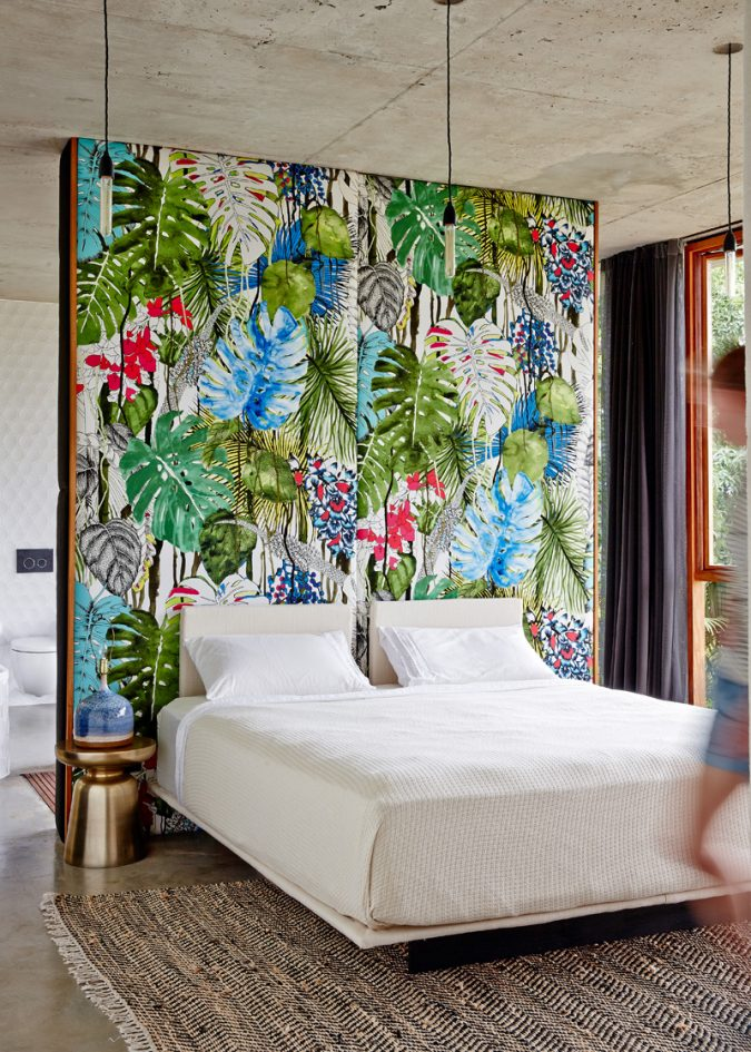 tropical-printed-wallpaper-675x945 The 15 Newest Interior Design Ideas for Your Home in 2018