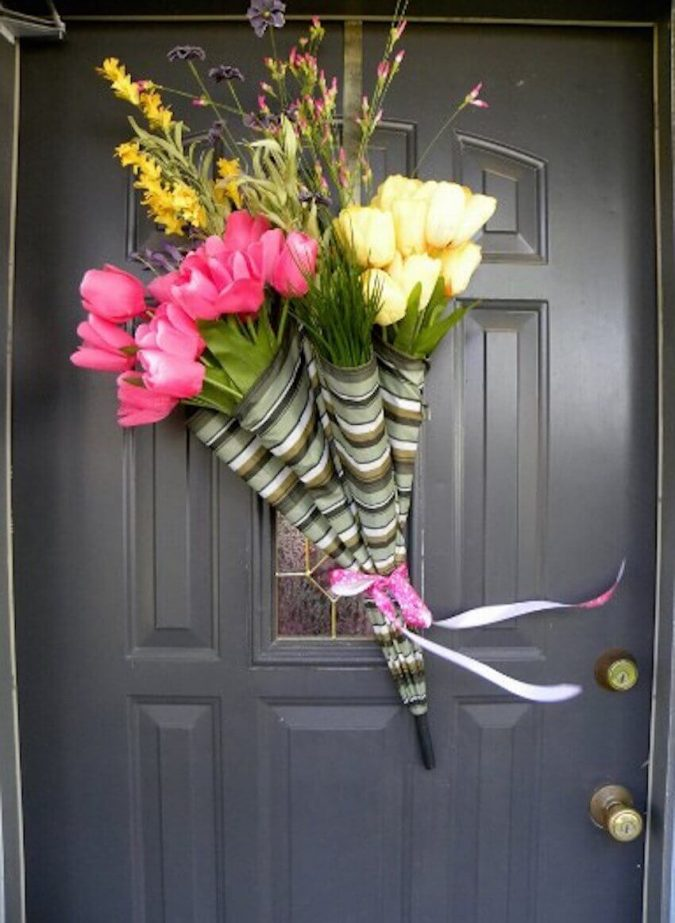 umbrella-wreath-DIY-675x923 7 Vibrant Front Door Decorations for Summer 2018