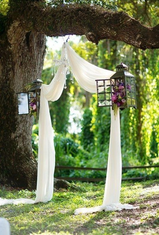 using-trees-for-decoration-10 82+ Awesome Outdoor Wedding Decoration Ideas