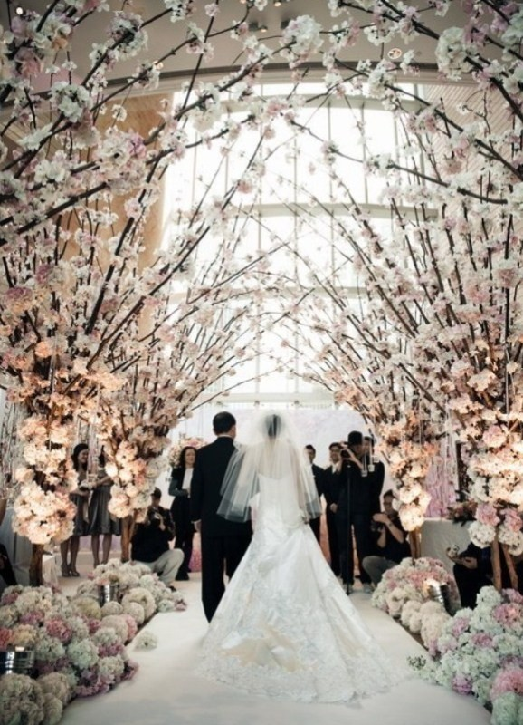 using-trees-for-decoration-12 82+ Awesome Outdoor Wedding Decoration Ideas