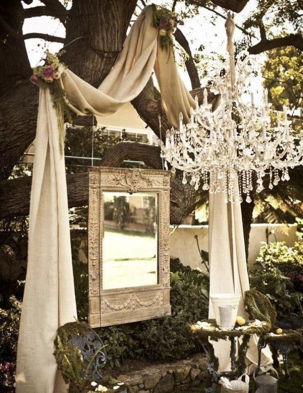 using-trees-for-decoration-16 82+ Awesome Outdoor Wedding Decoration Ideas