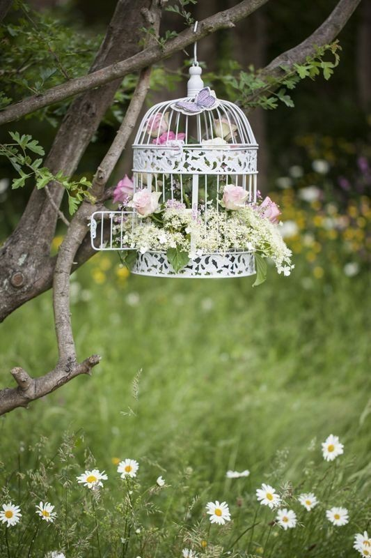 using-trees-for-decoration-3 82+ Awesome Outdoor Wedding Decoration Ideas