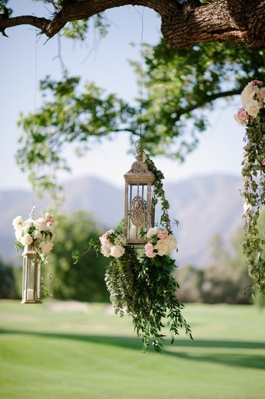 using-trees-for-decoration 82+ Awesome Outdoor Wedding Decoration Ideas