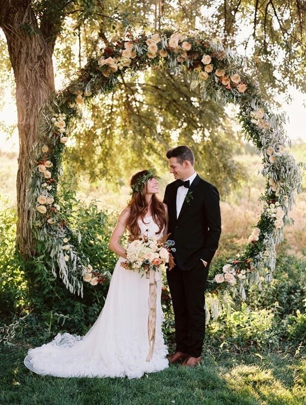 wedding-arch-and-backdrop-decoration-ideas-20 82+ Awesome Outdoor Wedding Decoration Ideas