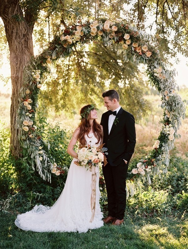 wedding-arch-and-backdrop-decoration-ideas-20 82+ Awesome Outdoor Wedding Decoration Ideas