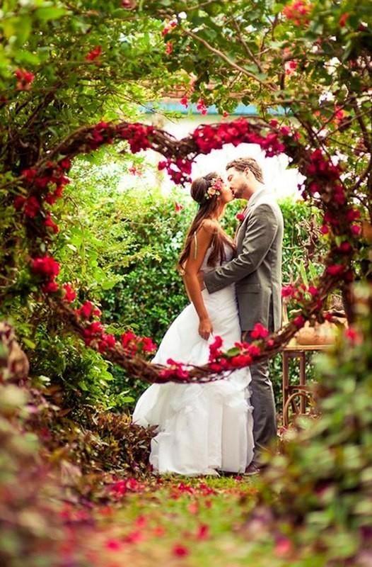 wedding-arch-and-backdrop-decoration-ideas 82+ Awesome Outdoor Wedding Decoration Ideas