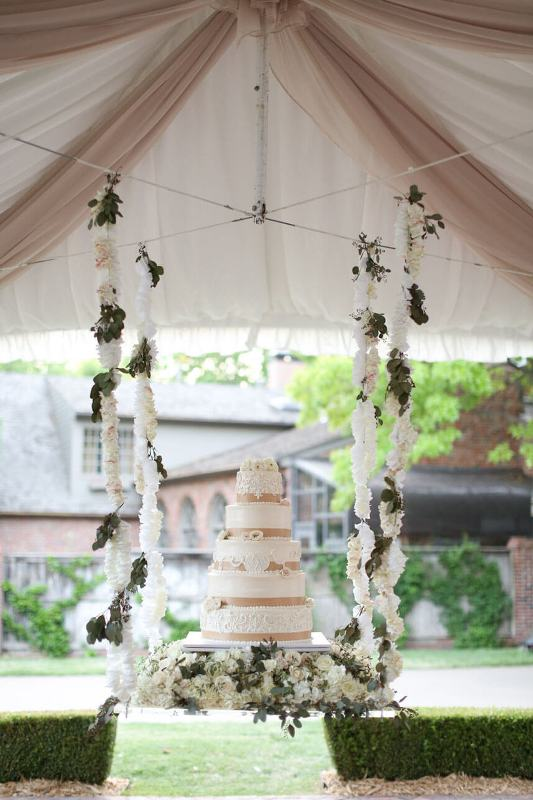 wedding-cakes-3 88+ Unique Ideas for Decorating Your Outdoor Wedding