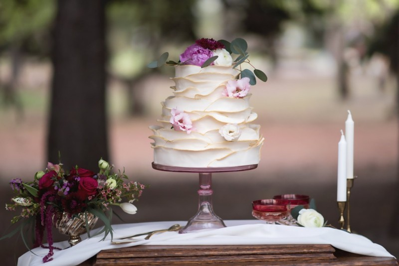 wedding-cakes-9 88+ Unique Ideas for Decorating Your Outdoor Wedding