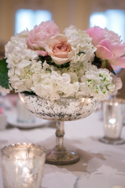 wedding-centerpiece-ideas-13 11 Tips on Mixing Antique and Modern Décor Styles