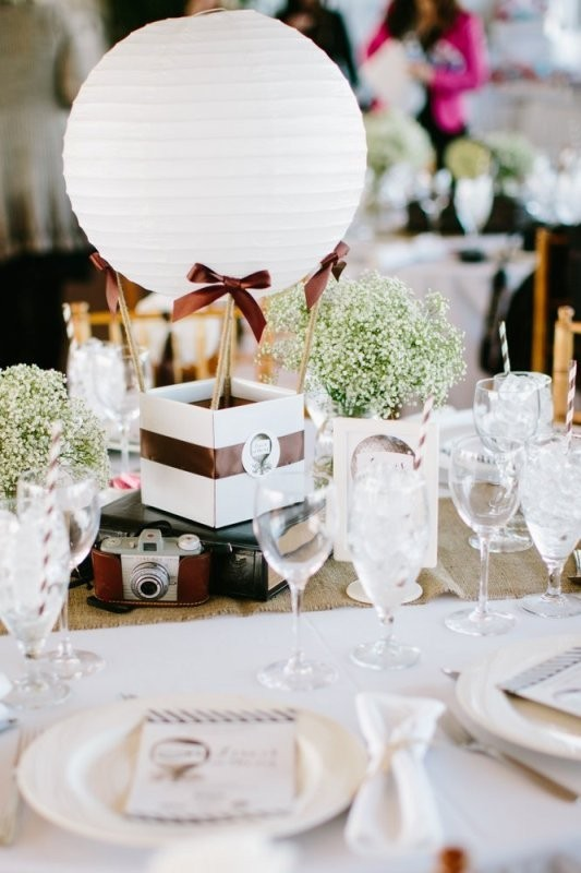 wedding-centerpiece-ideas-17 11 Tips on Mixing Antique and Modern Décor Styles