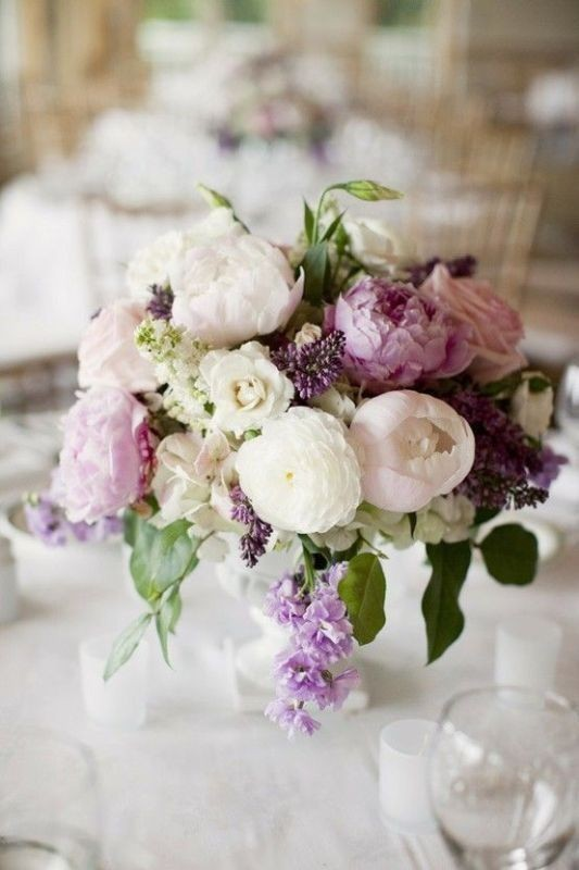 wedding-centerpiece-ideas-2 11 Tips on Mixing Antique and Modern Décor Styles