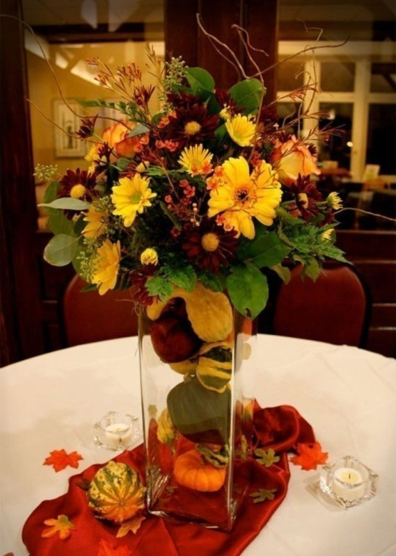 wedding-centerpiece-ideas-22 11 Tips on Mixing Antique and Modern Décor Styles