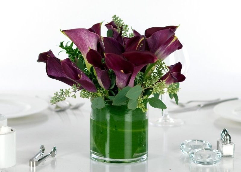 wedding-centerpieces-11 11 Tips on Mixing Antique and Modern Décor Styles