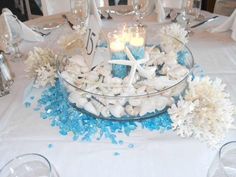 wedding-centerpieces-14 11 Tips on Mixing Antique and Modern Décor Styles