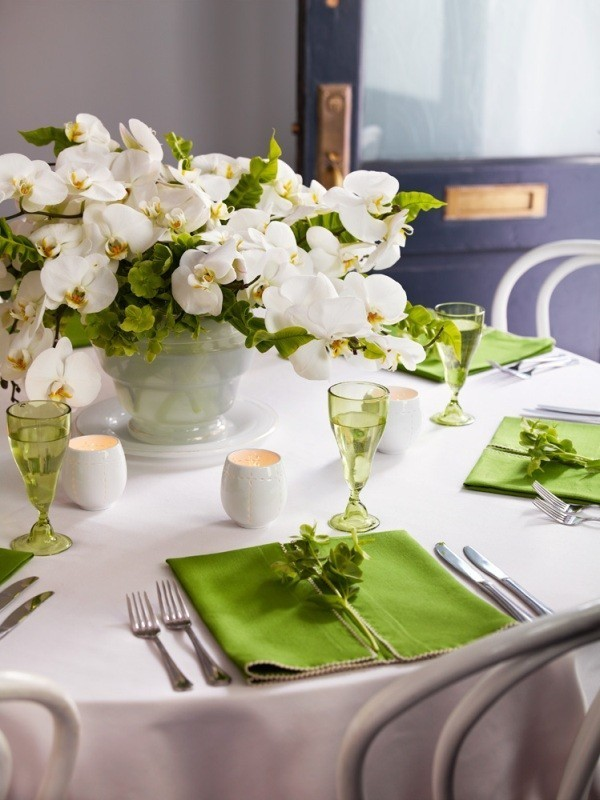 wedding-centerpieces-3 11 Tips on Mixing Antique and Modern Décor Styles