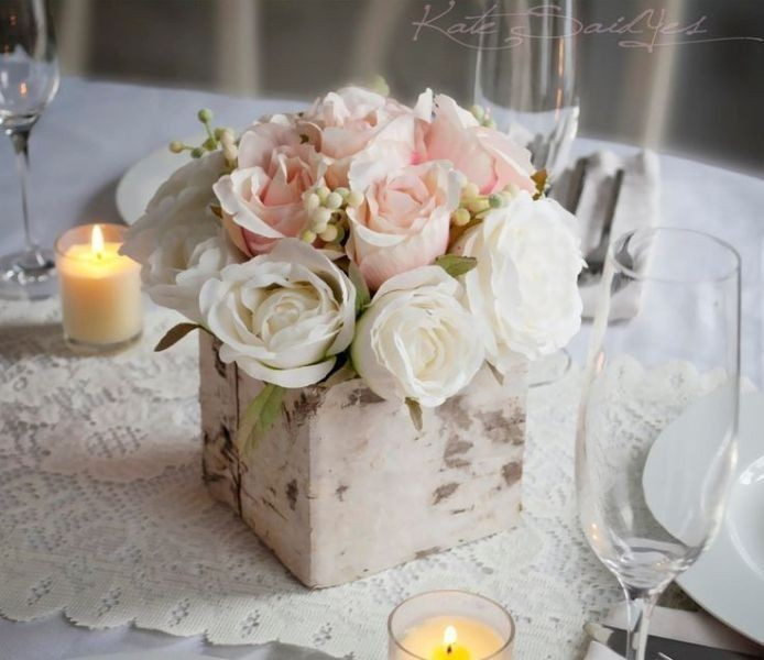 wedding-centerpieces-7 11 Tips on Mixing Antique and Modern Décor Styles