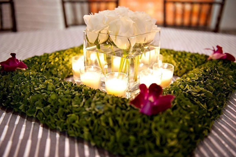 wedding-centerpieces-8 11 Tips on Mixing Antique and Modern Décor Styles