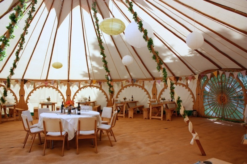 wedding-tent-decoration-ideas-13 88+ Unique Ideas for Decorating Your Outdoor Wedding
