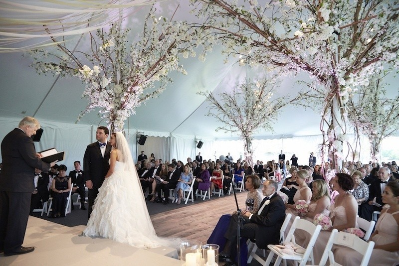 wedding-tent-decoration-ideas-14 88+ Unique Ideas for Decorating Your Outdoor Wedding