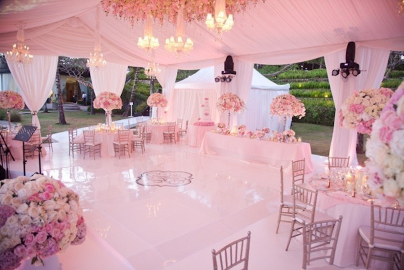 wedding-tent-decoration-ideas-15 88+ Unique Ideas for Decorating Your Outdoor Wedding