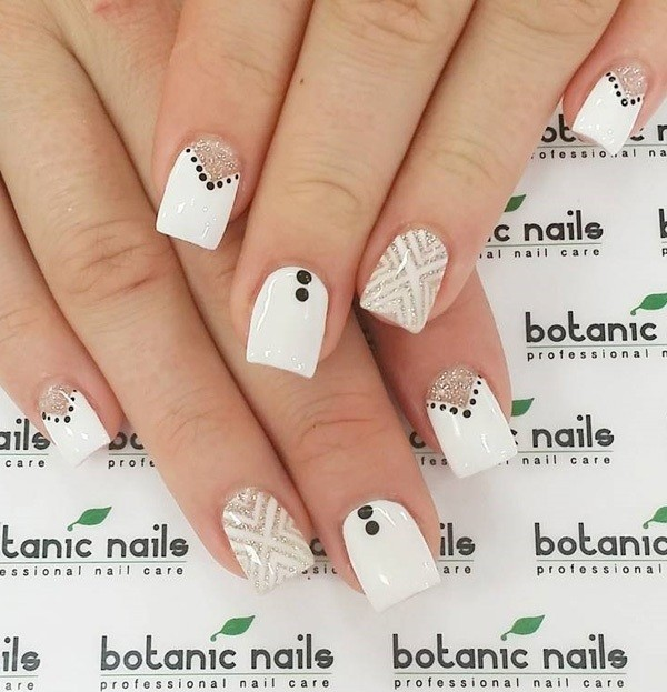 white-nails-2 16+ Lovely Nail Polish Trends for Spring & Summer 2018