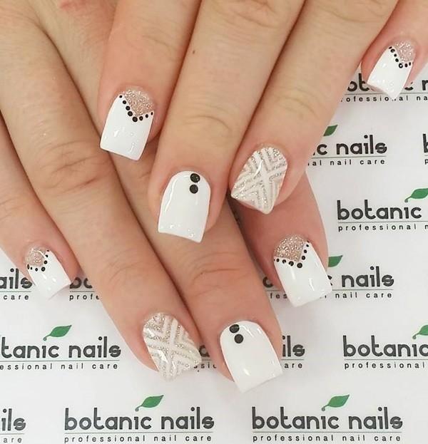 white-nails-2 16+ Lovely Nail Polish Trends for Spring & Summer 2018