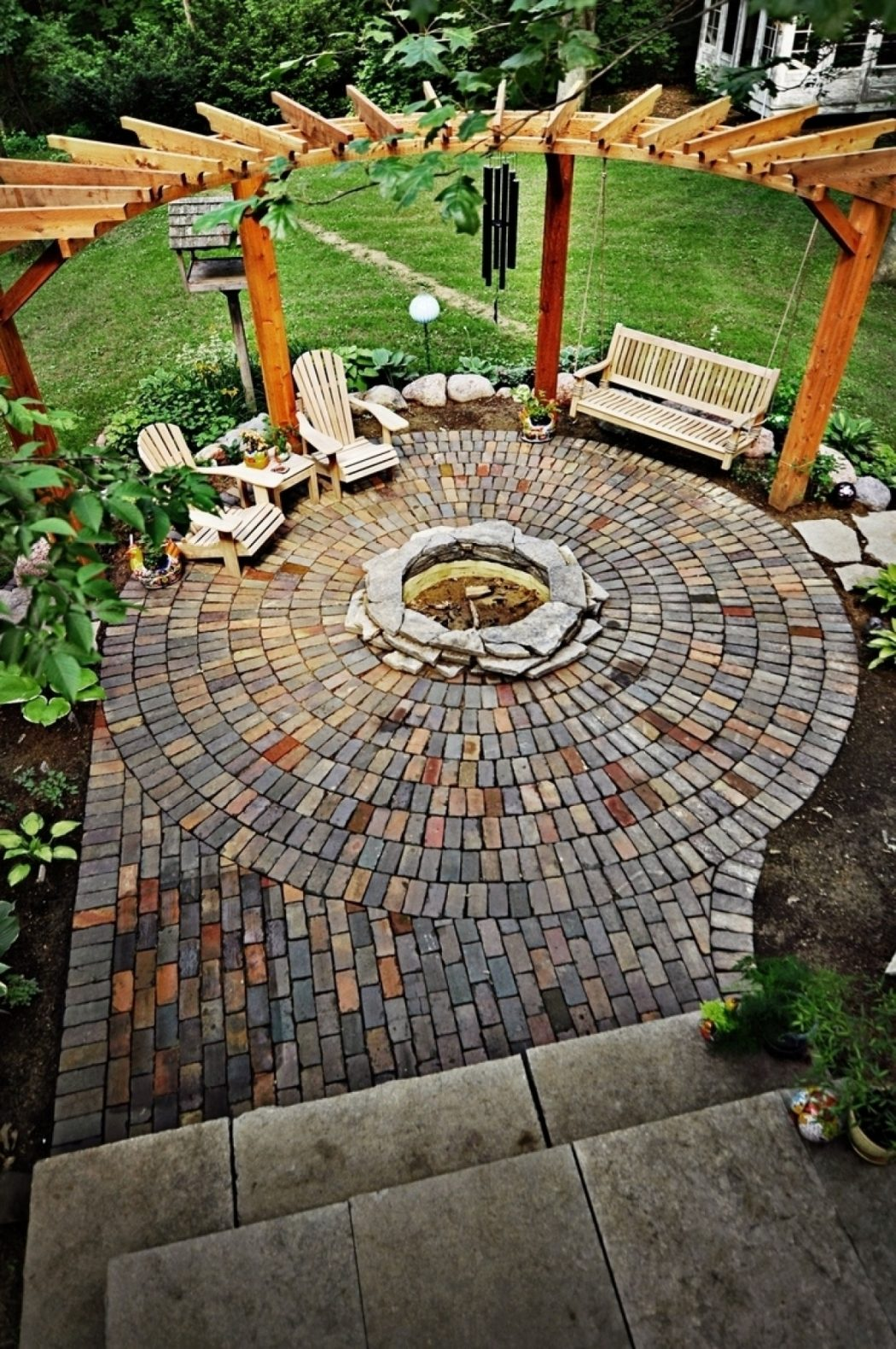 07-swinging-by-the-fire-fireplace-design-homebnc Delightful and Affordable Fire pit Decoration Designs in 2017
