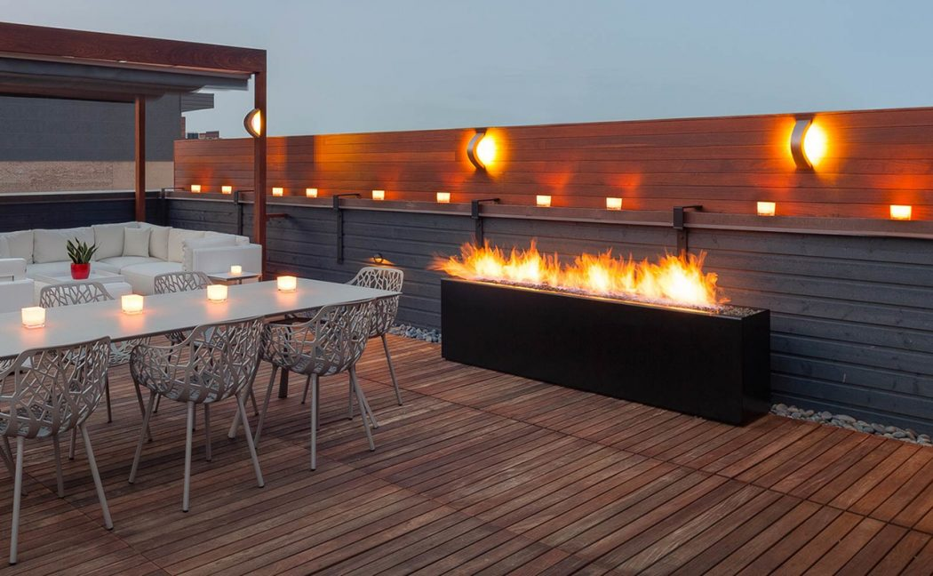 21-flaming-backdrop-fireplace-idea-homebnc Delightful and Affordable Fire pit Decoration Designs in 2017