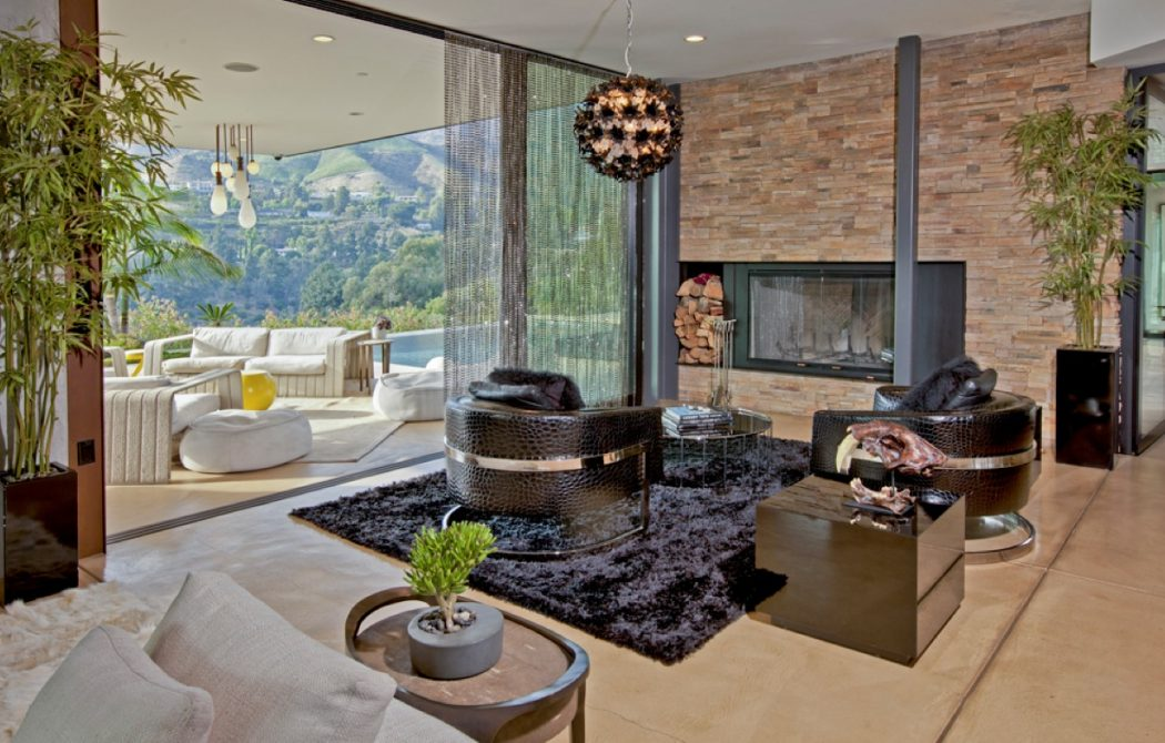 Hollywood-lounge 10 Ways to Add Glam to Your Hollywood Home