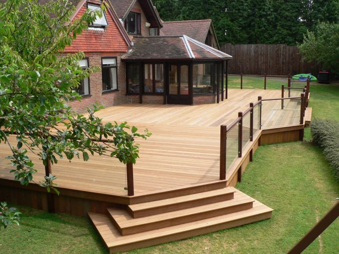 Maintain-your-Garden-Area-675x506 Improve the Curb Appeal of Your Home with These Simple Tips