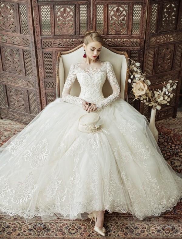 Muslim-wedding-dresses-107 84+ Coolest Wedding Dresses for Muslim Brides in 2020