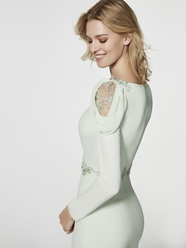 Muslim-wedding-dresses-113 84+ Coolest Wedding Dresses for Muslim Brides in 2020