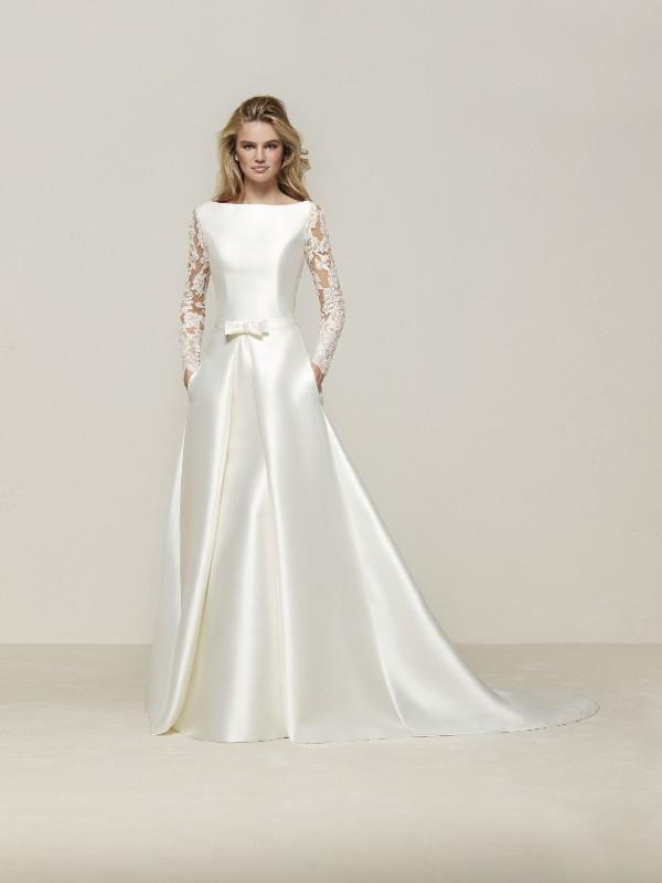 Muslim-wedding-dresses-118 84+ Coolest Wedding Dresses for Muslim Brides in 2020