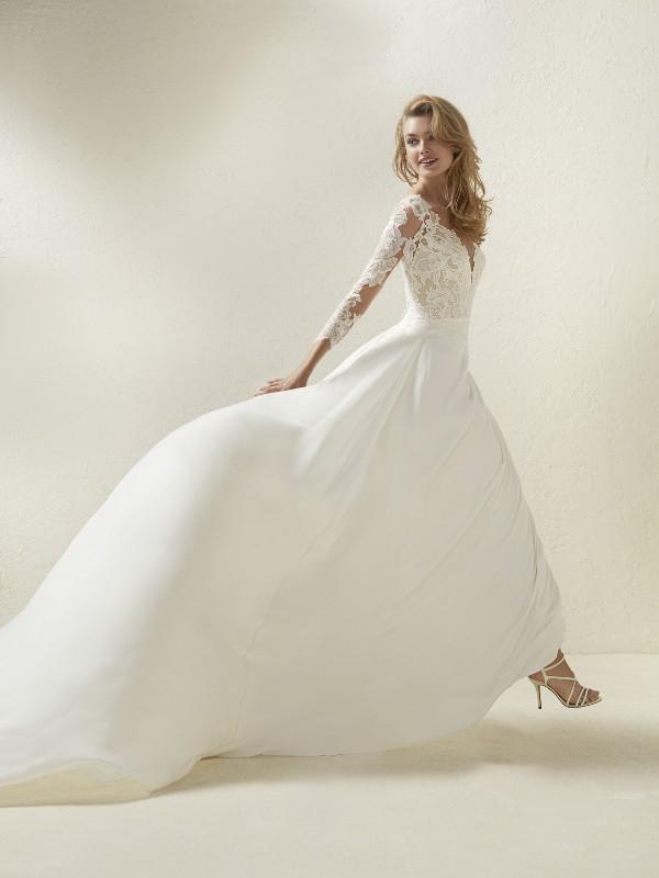 Muslim-wedding-dresses-119 84+ Coolest Wedding Dresses for Muslim Brides in 2020