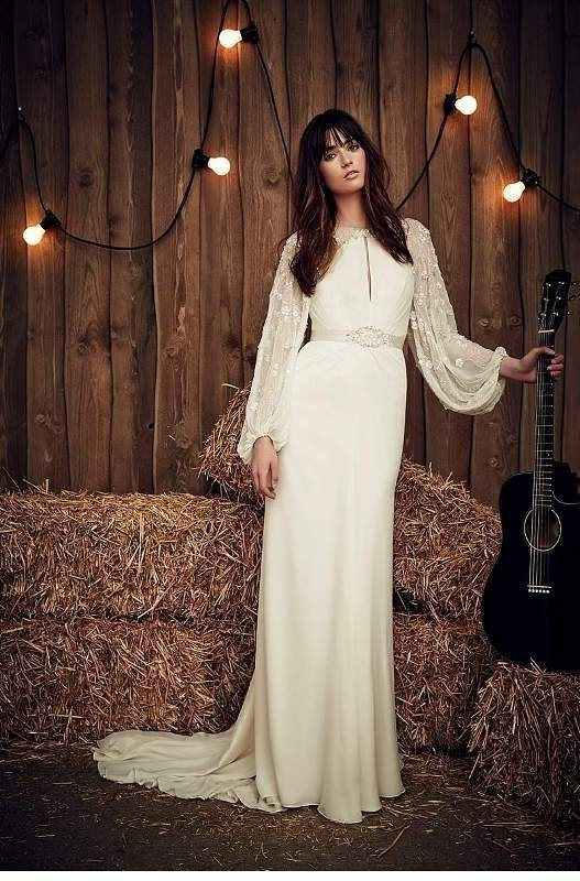 Muslim-wedding-dresses-13 84+ Coolest Wedding Dresses for Muslim Brides in 2020