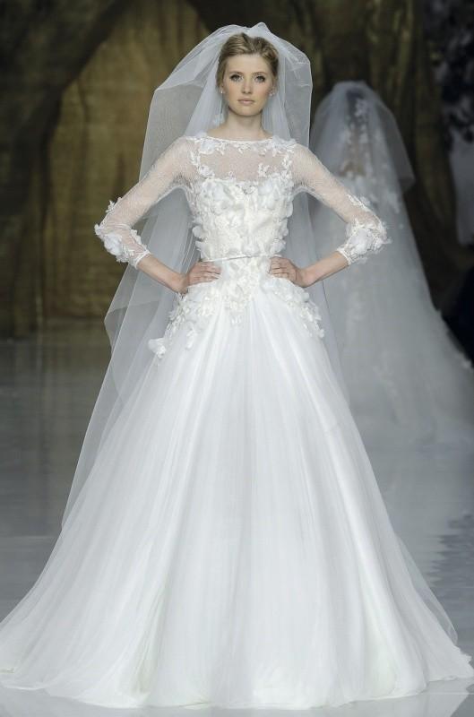 Muslim-wedding-dresses-14 84+ Coolest Wedding Dresses for Muslim Brides in 2020