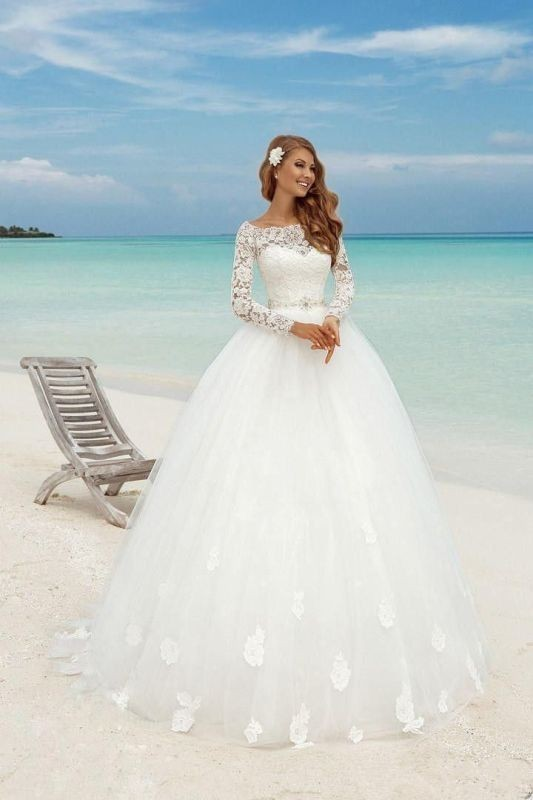 Muslim-wedding-dresses-21 84+ Coolest Wedding Dresses for Muslim Brides in 2018