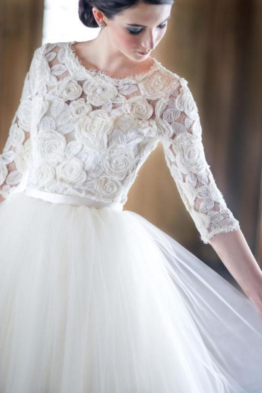Muslim-wedding-dresses-25 84+ Coolest Wedding Dresses for Muslim Brides in 2020