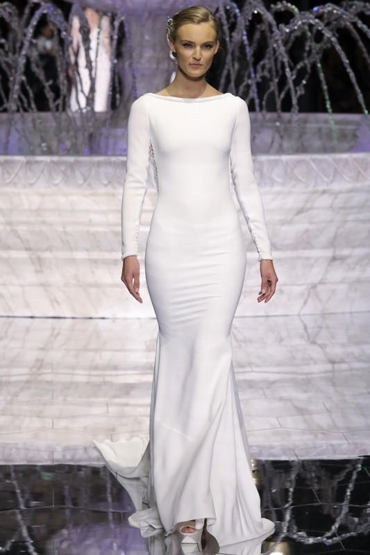 Muslim-wedding-dresses-39 84+ Coolest Wedding Dresses for Muslim Brides in 2020