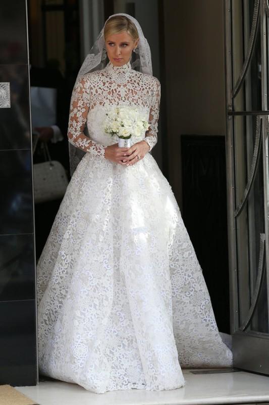 Muslim-wedding-dresses-41 84+ Coolest Wedding Dresses for Muslim Brides in 2020