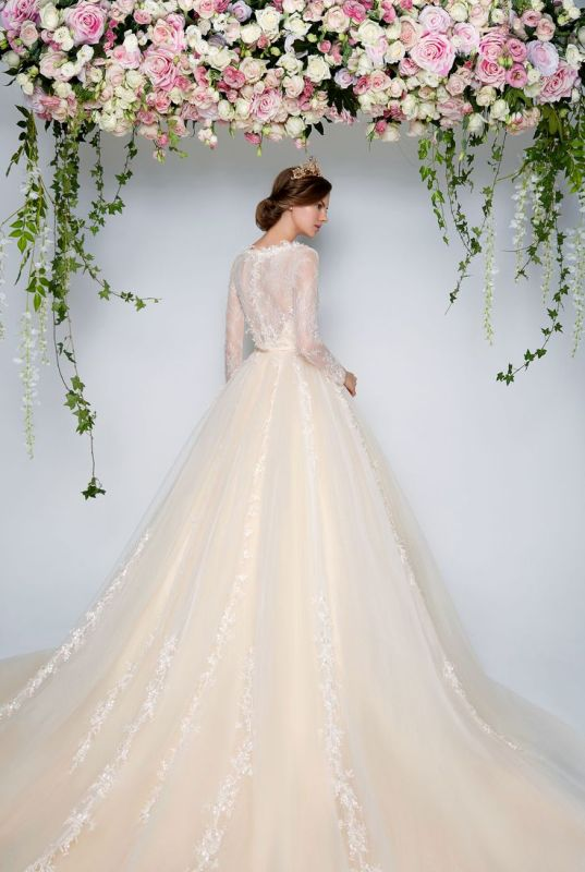 Muslim-wedding-dresses-50 84+ Coolest Wedding Dresses for Muslim Brides in 2020
